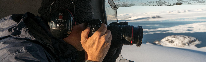 Kameramann bei Filmproduktion in Afghanistan
